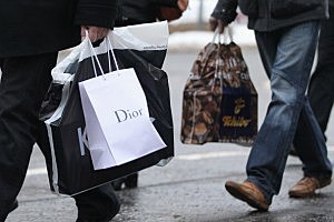 Retailers See Strong Christmas Sales