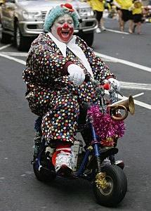 //wac.450f.edgecastcdn.net/80450F/mix941kmxj.com/files/2011/01/clown-on-a-bike-215x300.jpg)