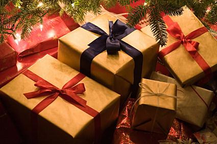 http://wac.450f.edgecastcdn.net/80450F/mix941kmxj.com/files/2012/12/Christmas-Presents-iStock.jpg