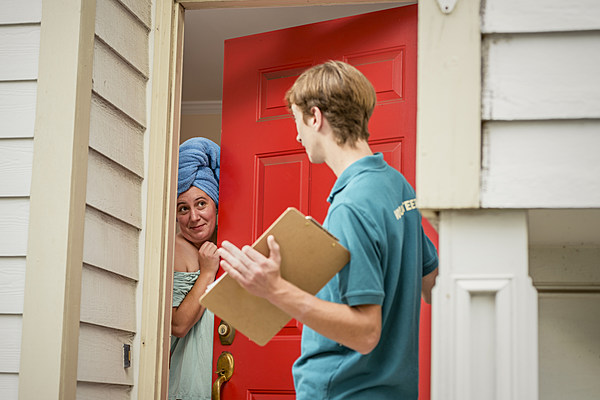 Door to door salesmen creating a problem in amarillo for Door to door salesman