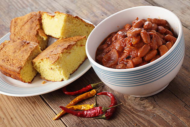 Chili dish with corn bread